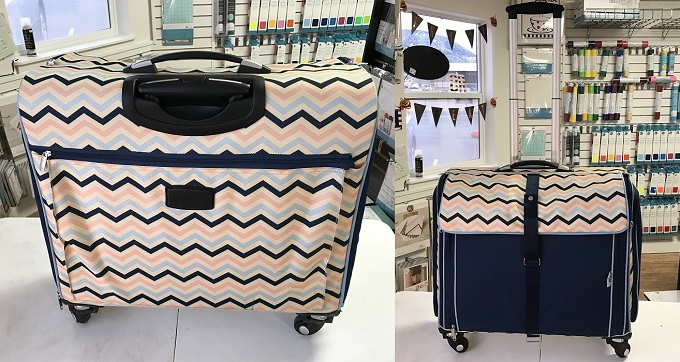 back and front pocket views of the Ultimate Scrapbooking tote